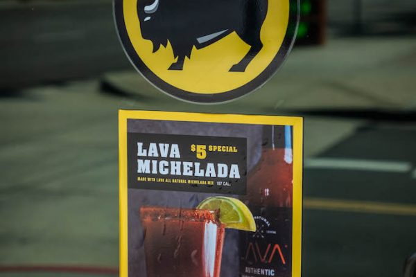 LAVA-MICHELADA-BUFFALO-WILD-WINGS-8340