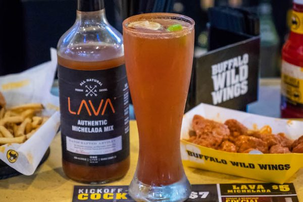 LAVA-MICHELADA-BUFFALO-WILD-WINGS-8360